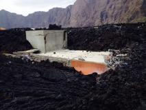 Fogo (Capo Verde), la colata lavica va raffreddandosi: alcune immagini dal villaggio distrutto - 22/30